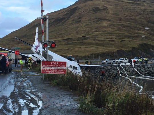 Sorbent Boom Deployed at Crash Site